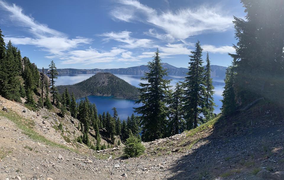 crater-lake-national-park-4808524_960_720
